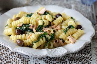 Ricetta Fusilli al SALMONE con olive