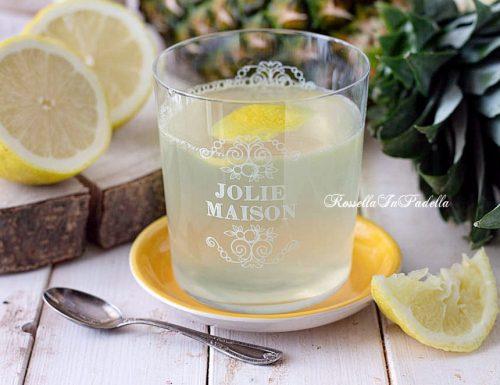 Tisana al limone e ananas
