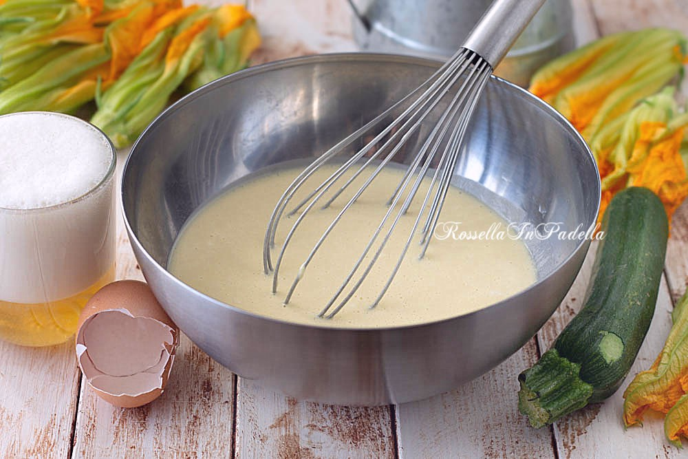 Come fare la pastella per FRIGGERE i FIORI DI ZUCCA