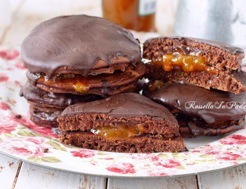 PANCAKE SACHER con cioccolato e CONFETTURA DI ALBICOCCHE