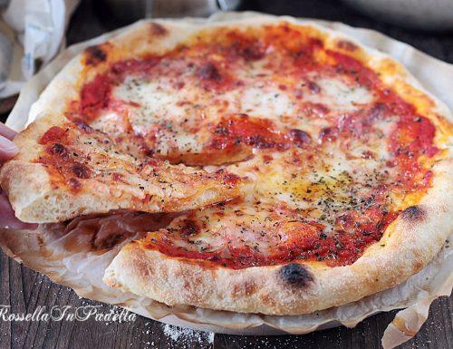 PIZZA FATTA IN CASA con semola