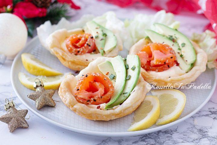 Cestini pasta sfoglia con salmone e avocado