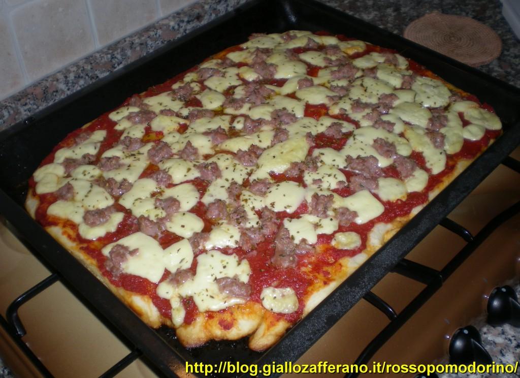 Ale 39 s kitchen rossopomodorino pizza alla salsiccia for Pizza in casa