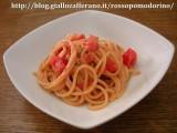 spaghetti con gorgonzola e pomodorini