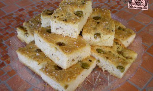 Focaccia alle olive | Ricetta