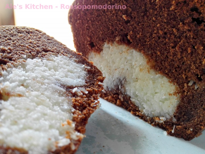 torta al cioccolato con farcitura al cocco