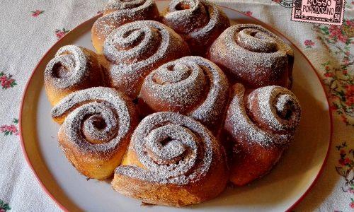 Torta di Rose alla marmellata – Ricetta dolce