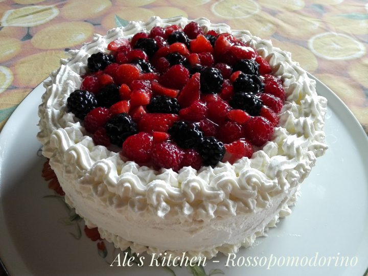 torta-panna-e-frutti-di-bosco