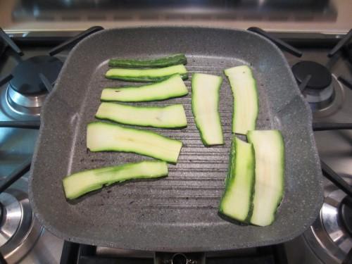 Pasta fredda con verdure grigliate sott'olio