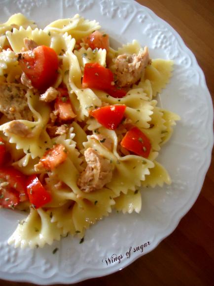 Pasta fredda tonno e pomodori ricetta - wings of sugar blog