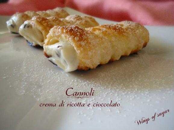 cannoli crema ricotta e cioccolato - wings of sugar