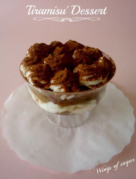 Tiramisu' dessert ricetta semplice servita in coppette
