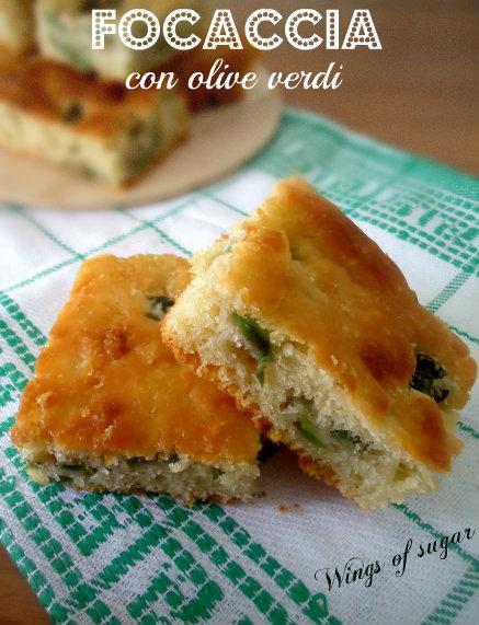 Focaccia veloce con olive verdi - wings of sugar blog