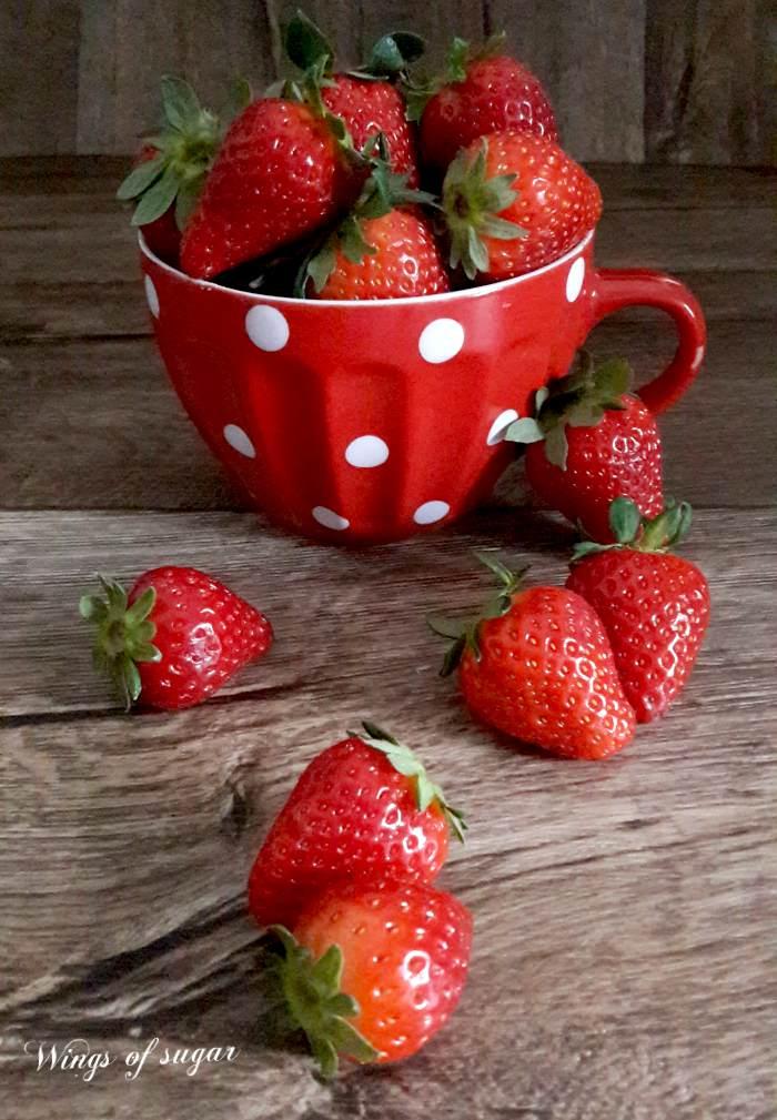 Raccolta di ricette con le fragole a cura di Wings of sugar Blog