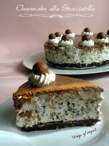Cheesecake alla stracciatella ricoperta di ganache al cioccolato fondente ricetta senza cottura