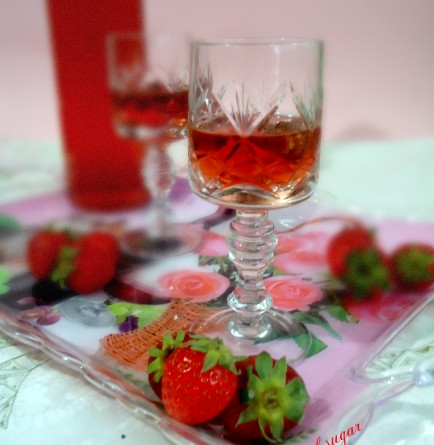 liquore alle fragole- wings of sugar blog