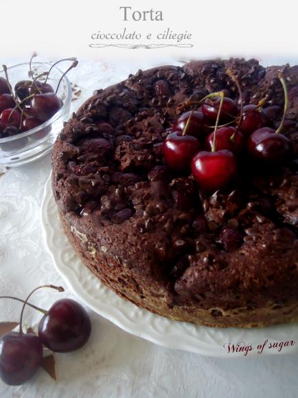 Torta al cioccolato con ciliegie - wings of sugar -