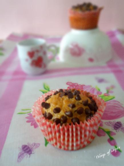 Muffin al cocco con gocce di cioccolato ricetta