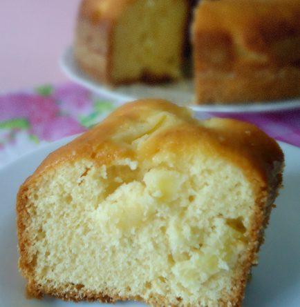 Ciambella all'ananas soffice e umida - wings of sugar blog