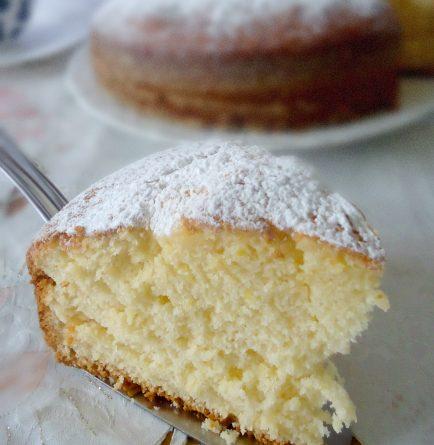 Torta al limone alta e soffice