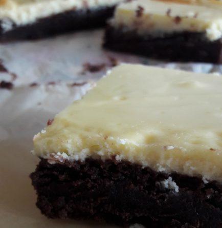 Brownies al cioccolato super cremosi con crema al mascarpone - wings of sugar blog