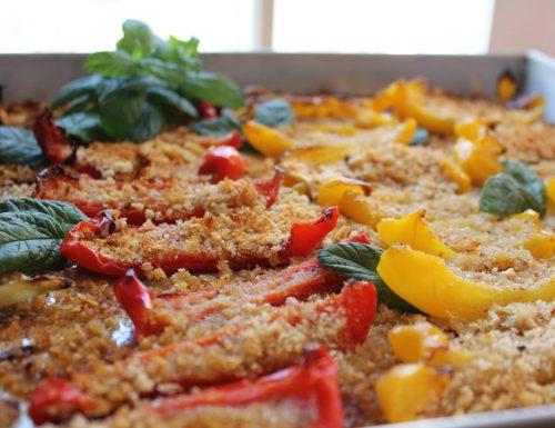 Peperoni gratinati al forno con un trito mix