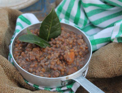 Zuppa di lenticchie (ricetta con lenticchie secche)