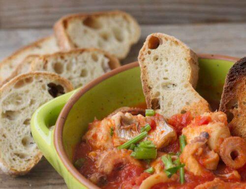 Zuppa di pesce misto (ricetta facile senza spine)