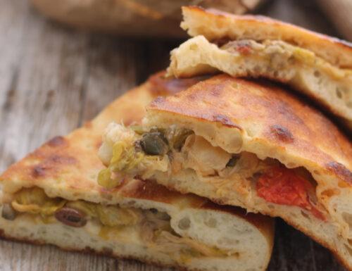 Calzone di cipolla ricetta di Puglia-versione tradizionale e bimby-