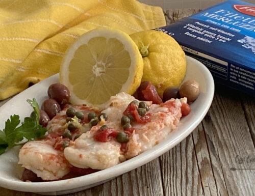 Filetti di merluzzo con olive e capperi al profumo di limone