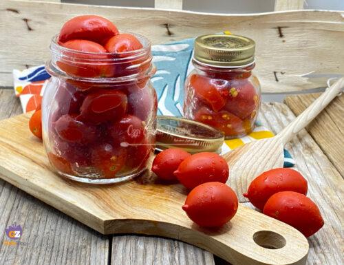 Come conservare i pomodorini crudi in barattolo