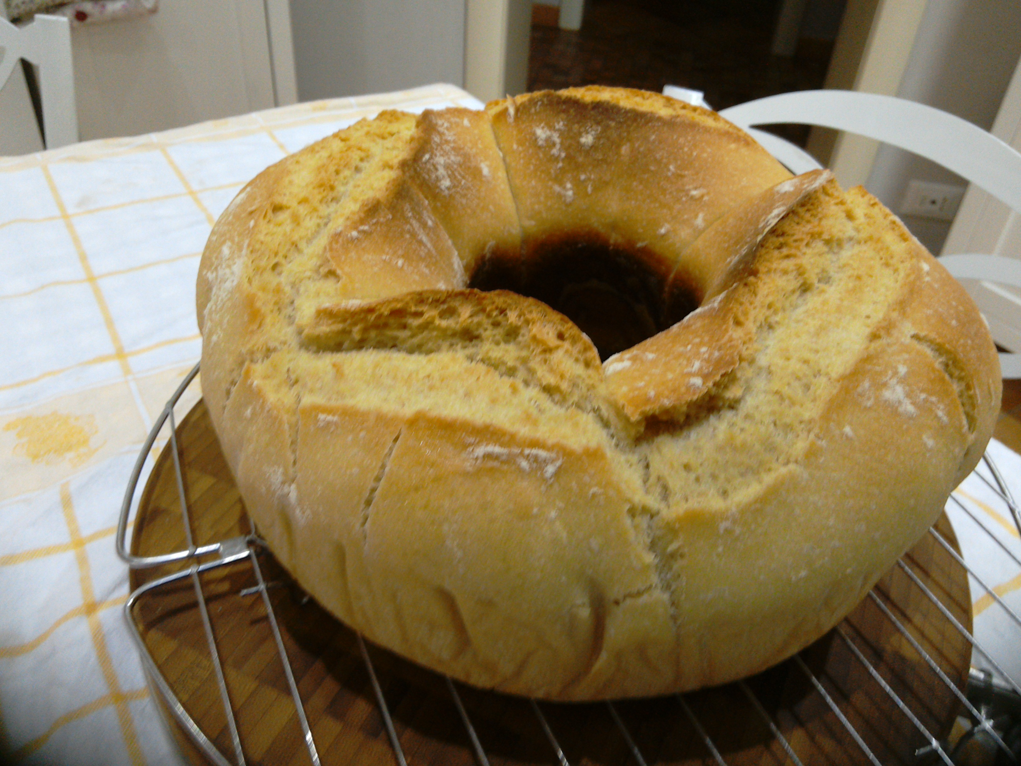 Pane di semola rimacinata di grano duro, cotto nel fornetto versilia