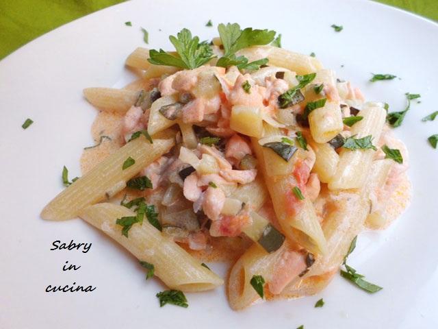 pasta salmone zucchine panna