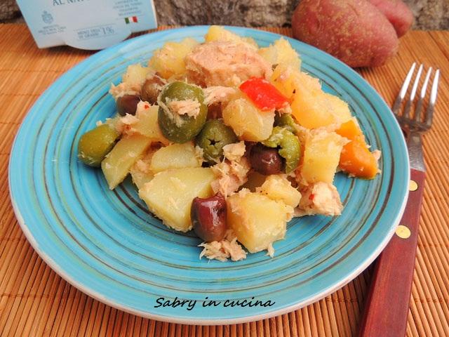 insalata di patate tonno e olive