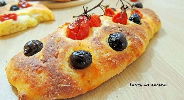 focaccine datterini olive