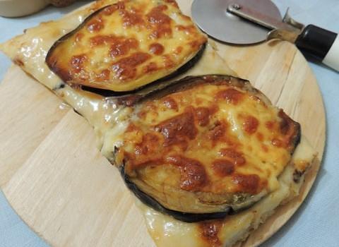 pizza melanzane formaggio e scamorza