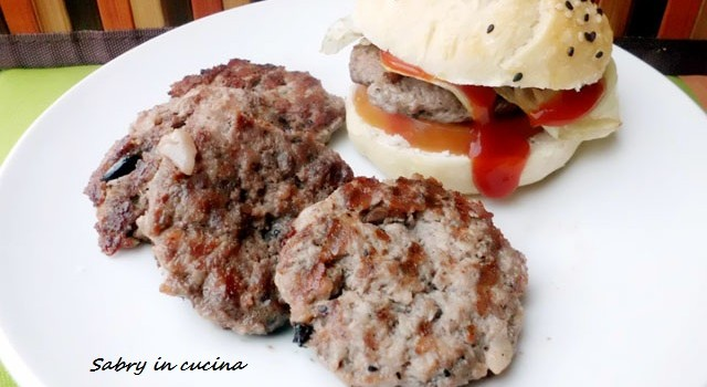 hamburger alle olive