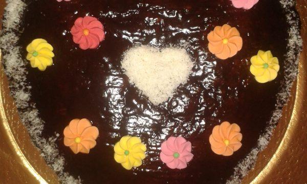 Torta Morbida Cocco e Cioccolato con Glassa Nera