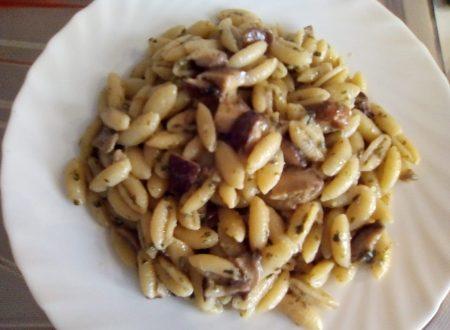 Gnocchetti sardi funghi e pesto – Pronti in 10 minuti