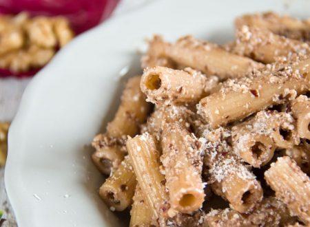 Pesto di Radicchio e Noci – Ricetta facile