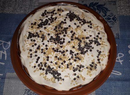 Torta fredda con crema al cioccolato e panna