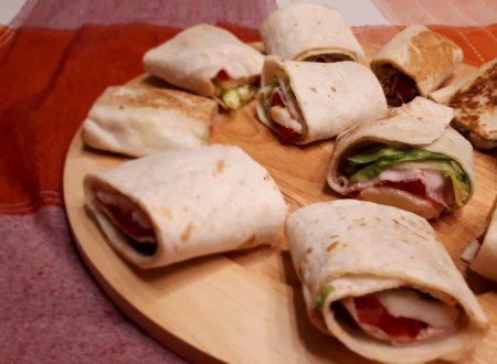 Rolls di Piadina con prosciutto, mozzarella e…