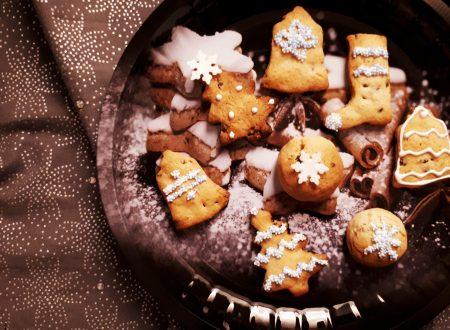 Biscotti di Natale con cioccolato ed uvetta