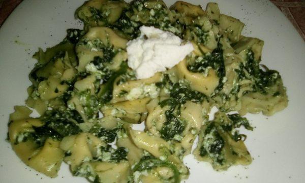 Tortelli con spinaci, ricotta e salvia