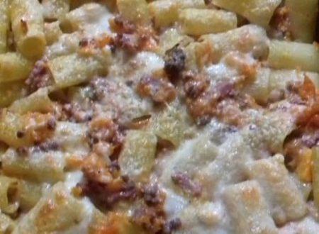 Rigatoni al forno con zucca, pancetta e carne macinata