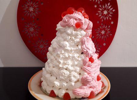 Torta di San Valentino con crema e cacao