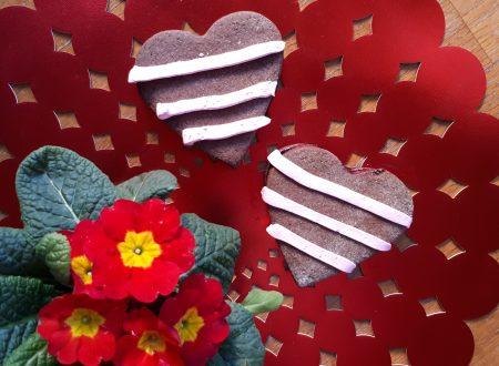 Biscotti di San Valentino ripieni di marmellata