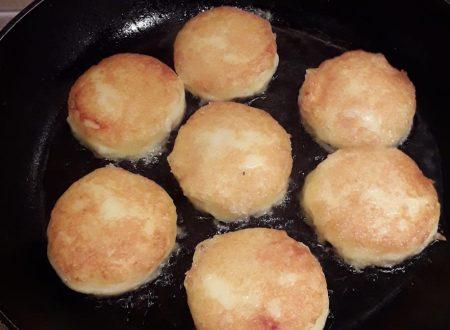Focaccine di patate filanti in padella