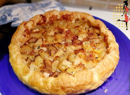 Pizza sfoglia con patate e pancetta