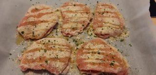 Fettine di lonza di maiale farcite al forno